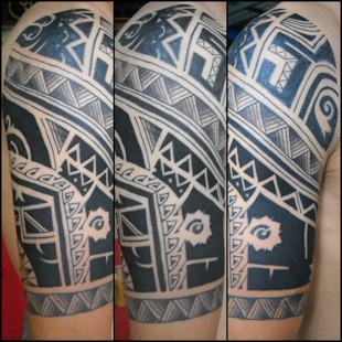 Custom drawn tribal tattoo done in Chiang Mai, Thailand 2